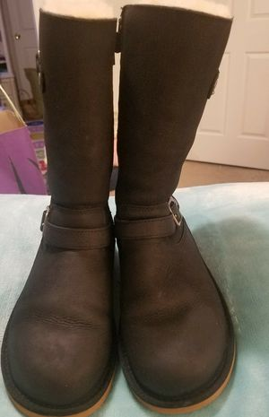 UGG SIZE 3 EXCELLENT CONDITION for Sale in Frederick, MD