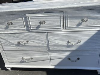Dresser for Sale in Long Beach,  CA