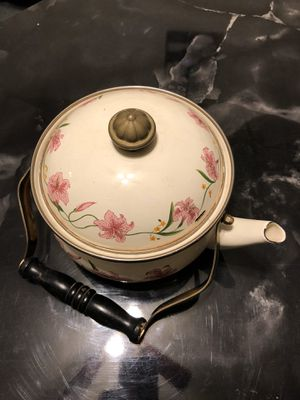 Antique tea kettle for Sale in Mechanicsburg, PA