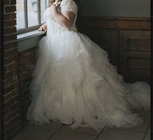 Wedding Dress for Sale in Sullivan, MO