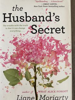 The Husband's Secret by Liane Moriarty (hard cover) for Sale in Houston,  TX