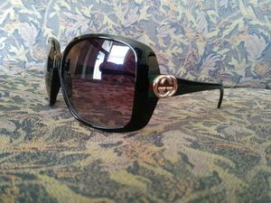 Gucci women's sunglasses for Sale in Harper Woods, MI