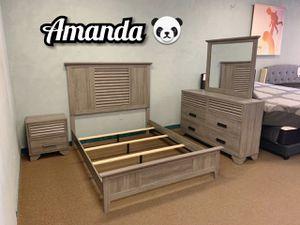Queen 4 piece bedroom set for Sale in Glendale, AZ