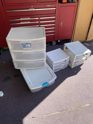 Free plastic containers (pending pick up) for Sale in Everett, WA
