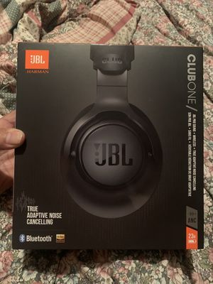 JBL Club ONE Wireless Noise Cancelling Headphones for Sale in Miami, FL