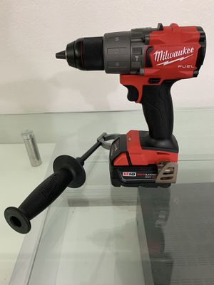 "Milwaukee 2804 M18 FUEL 18V 1/2"" Hammer Drill/Driver with 5.0 battery(NEW) for Sale in Coral Gables, FL"