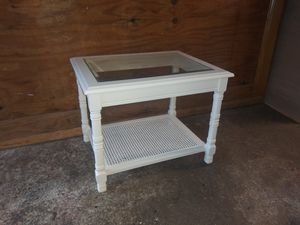 Vintage side table for Sale in St. Louis, MO