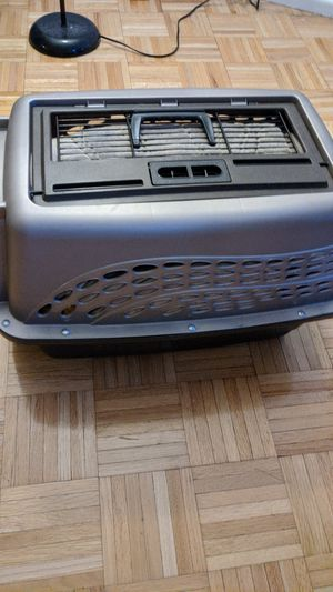 Small dog crate (1' tall, 1' wide, 2' long) for Sale in New York, NY