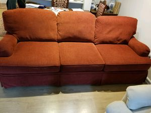 Comfy Couch in great condition for Sale in Fairfax, VA