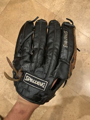 "Baseball Glove RHT 14"" for Sale in Walnut, CA"
