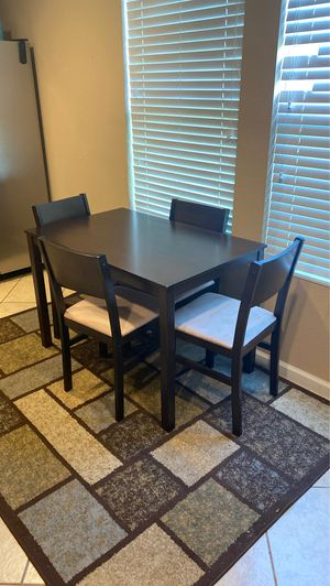 Full Dining Set - rug included for Sale in Austin, TX