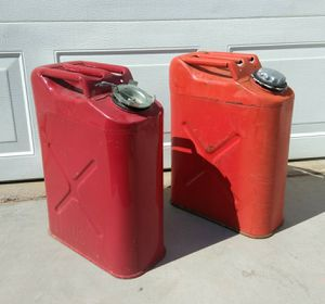 5 Gallon Metal Gas Cans PRICE is FIRM for Sale in Las Vegas, NV