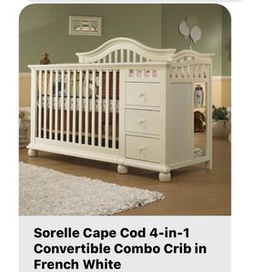Baby crib with changing table for Sale in Houston, TX