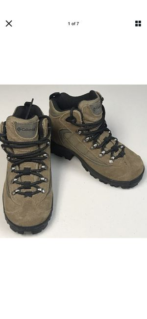 Columbia Copper River Boot BL size 9 Suede Lace Up Hiking Boot for Sale in Dearborn, MI