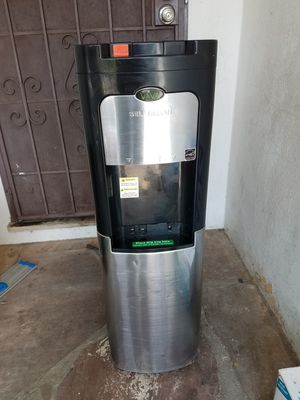ELECTRIC Make cold and hot water. for Sale in Los Angeles, CA