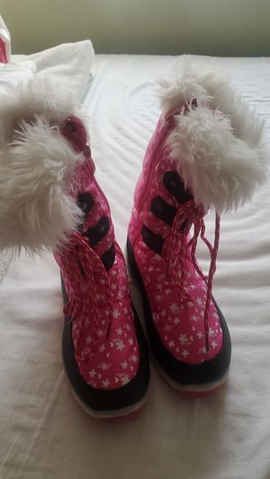 Snow boots for girl for Sale in Miami, FL