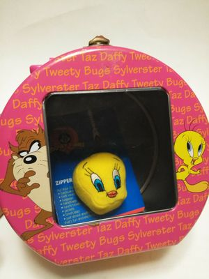 Vintage Looney Tunes tin gift set for Sale in Waterbury, CT