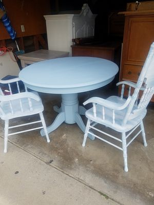 Table and 2 chairs for Sale in Hanford, CA
