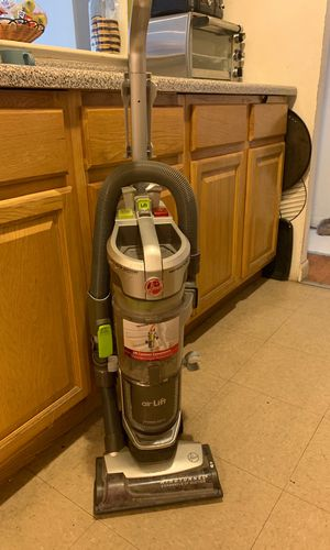 Hoover vacuum for Sale in Bronx, NY