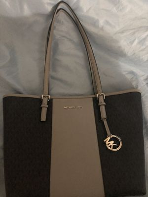 Michael Kors Purse for Sale in Pawtucket, RI