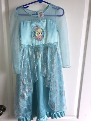 Vestido disfraz Disney Elsa 4 T / costume dress for Sale in McAllen, TX