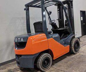 Forklift Toyota like new for Sale in Alexandria,  VA