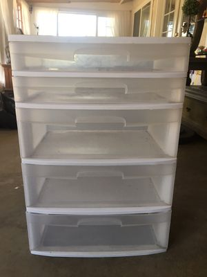 5 Drawer plastic chest for Sale in Fontana, CA