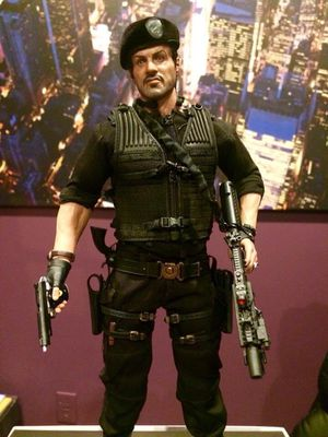 HOT TOYS expandable 2 BARNEY ROSS for Sale in Newark, NJ