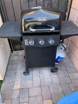 Gas Grill with propane tank BBQ for Sale in Las Vegas, NV
