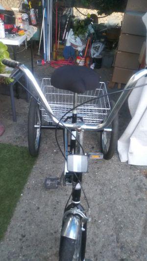 Triciclo forman rodado 20 en perfectas condiciones for Sale in South Gate, CA