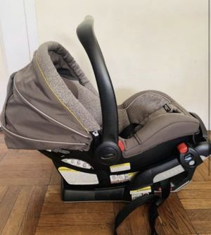 Baby car seat for Sale in The Bronx, NY