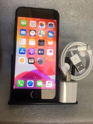 IPhone 7 32 GB unlocked for T-Mobile MetroPCS simple mobile for Sale in Norwalk, CA