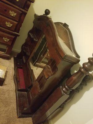 5 piece queen Bedroom set for Sale in Myrtle Beach, SC