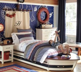 Pottery Barn Boat Bed with Trundle for Sale in Arnold,  MD