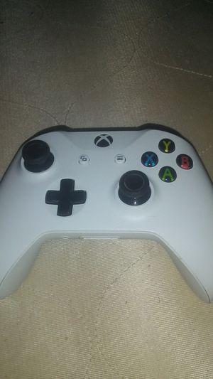 Xbox controller for Sale in Elgin, OK