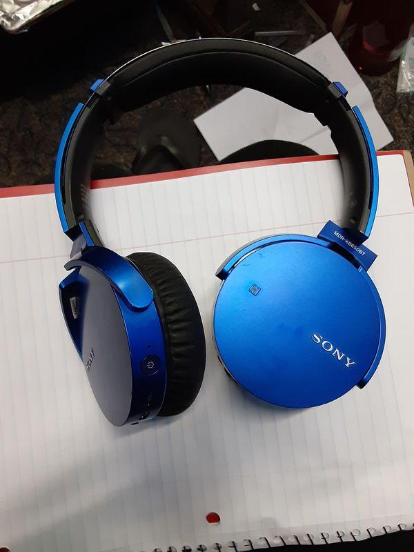 Wireless Sony headphones