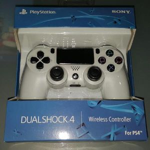 CONTROLLER PS4 DUALSHOCK WHITE for Sale in Silver Spring, MD