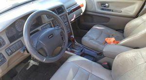 PARTS CAR 2000 Volvo for Sale in Montebello, CA