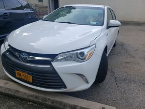 2015 Toyota Camry Hybrid . CLEAN . LOW MILES for Sale in Hawthorne, NY
