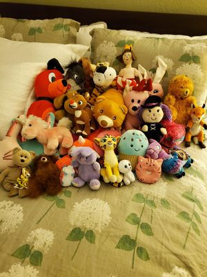 Assortment of stuffed animals for Sale in Escondido, CA