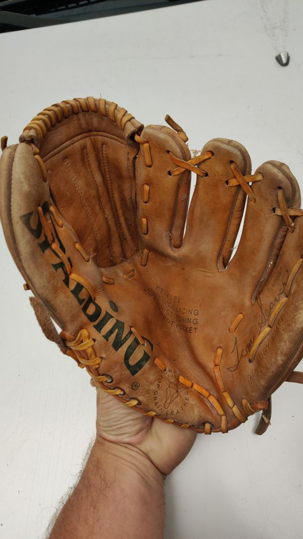 Vintage Spalding baseball glove. Tom Seaver