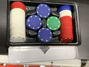 100 piece Poker Chips Set for Sale in Fremont, CA
