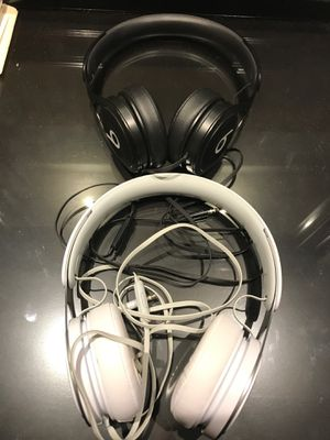 2 Beats by Dr. Dre - Beats EP Headphones - Black/White for Sale in San Diego, CA