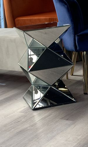 3D End Table for Sale in St. Louis, MO