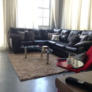Black Leatherette sofa sectional couch for Sale in Fort Lauderdale, FL