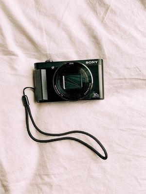 Sony DSC-HX80 for Sale in Raleigh, NC
