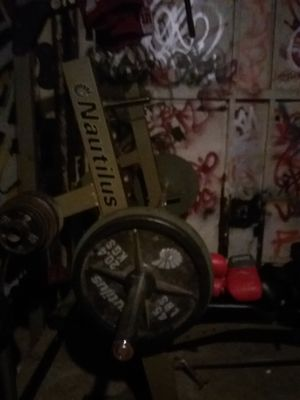 Nautilus weightset with 500 pounds of weights for Sale in Seattle, WA