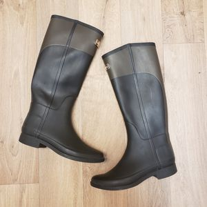 Hunter two toned rain boots size 8. for Sale in Snohomish, WA