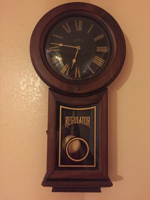 Antique Cornwall Regulator wall clock. Does not work if you know How to fix it make me an offer for Sale in Austin, TX