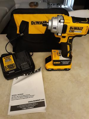 """DEWALT 20 VOLT MID IMPACT WRENCH 1/2"""", WITH BATTERY 3.0AH, CHARGER AND BAG. NEW. NUEVO. for Sale in Atlanta, GA"""